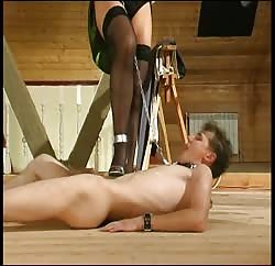 Kinky MILF has a slave which she keeps in a leash